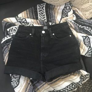 urban outfitters high waisted shorts ✨